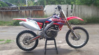 2004 HONDA CRF 250 - COMPLETELY NEW REBUILD-TOP TO BOTTOM-MINT