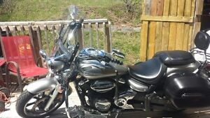 For sale. 2009 Yamaha V-Star 950 cc - $4,500