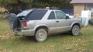 2002 GMC Jimmy for parts or Mechanics special.