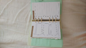 Nice Planner for sale. Dont like the style. $20.00 London Ontario image 5