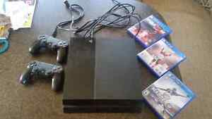 Ps4 for sale 320gb with 3 games 2 controllers