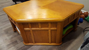 Oak Lift Top Coffee Table and 2 Side tables