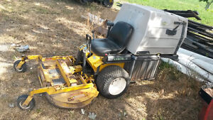 Walker MTLGHS Zero Turn Mower with Grass Catcher