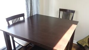 Dinning Table with Chairs in very good condition