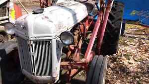 FORD 8N TRACTOR WITH TRIP BUCKET