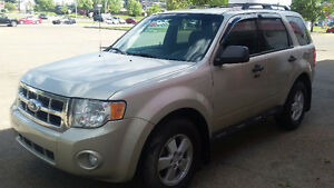 2011 FORD ESCAPE AWD YOU ARE APROVED //////