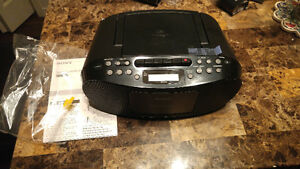 Sony CFDS50 portable CD, Cassette and AM/ FM radio Boomboxes