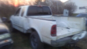 Parting out 2002 ford half ton ext cab 4x4