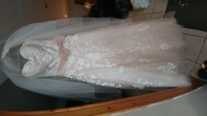 "Designer Bridal Gown ""David Tutera"""