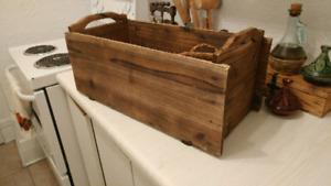 vieilles caisses en bois 10$
