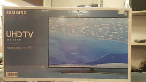 "Samsung U HDTV 43"" New in Box!!"