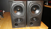 *** PAIRE DE SPEAKERS *** MISSION 731i ***