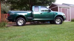 2000 Ford F-150 step-side Camionnette