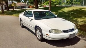 1997 Chevrolet Monte Carlo Coupe (2 door)