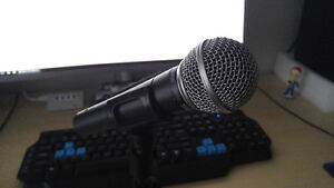 Shure SM58 Unidirectional Dynamic Mic with Desk Stand