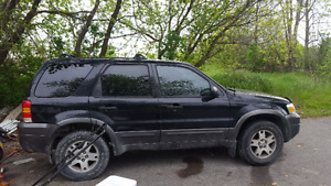 2005 Ford Escape for parts...
