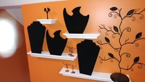 Jewellery displays and cases