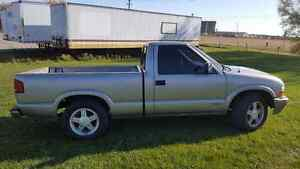 1999 chevy s10  2.2L London Ontario image 2