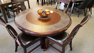 **BEAUTIFUL 5 PC DINING SET EXCELLENT QUALITY NOW ONLY  $1099.99