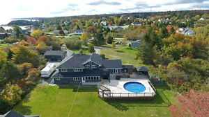 Luxury Home with In-Law Suite on End of Cul-de-Sac