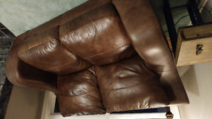 Cindy Crawford collection Brown leather couch and loveseat