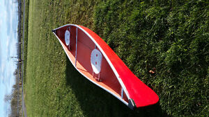 16ft canoe with paddles