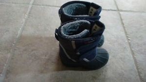 Maple Leaf Winter Boots-Toddler Size 7 Kitchener / Waterloo Kitchener Area image 2