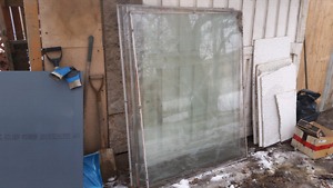 Free : (5) large paines of glass 5 ' × 4 ' each