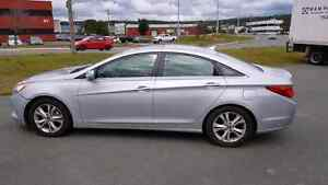 2011  Hyundai Sonata Limited Very Low Mileage 47,324 KM.