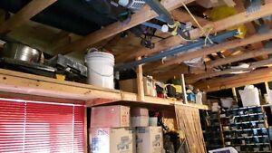 outils,hache,scie,pneus,glacière,ens patio,meuble stéréo West Island Greater Montréal image 5