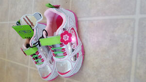 Brand New Shoes Size 7 Toddler