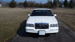 Certified and E-tested 3000 1996 Lincoln Town Car Sedan