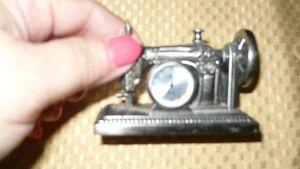 VINTAGE ADORABLE ANTIQUE MINIATURE SEWING MACHINE CLOCK