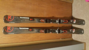 57 inches new Rossignol skis/22-235 278 mm