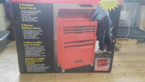 Brand new 5 drawer tool storagewitth large bottom storage compar