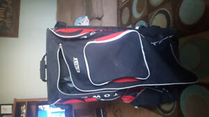 Grit standup hockey bag with wheels
