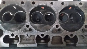 Dodge 440 / 516  Heads with valves.