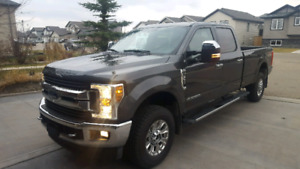 2018 Ford F350 xlt ultimite , crew cab diesel in mint condition