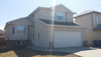 Move in Condition in Riverbend! Only $379,900!