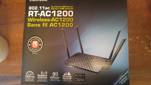 Selling barely used (< 1 month) Asus ac1200 dual band router