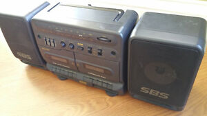 PORTABLE RADIO/TWIN TAPE PLAYER RARE VINTAGE SAMSUNG PD-650C West Island Greater Montréal image 4