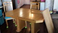 Table et chaises de cuisine en chêne