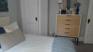 Room Available Sept 1st - Midtown, Student, Subway