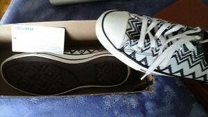 Ladies Converse Missoni canvas sneakers never worn size 6 new