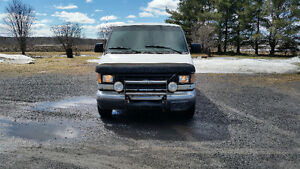 2002 Ford E-350 7.3L diesel for parts