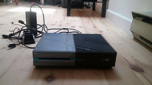 1tb Halo special edition Xbox One, With lock controller
