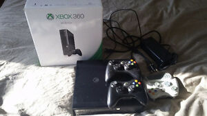 X-box 360 / 3 wireless controllers and 33 games