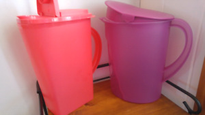 Tupperware ..pot de jus.eau.limonade