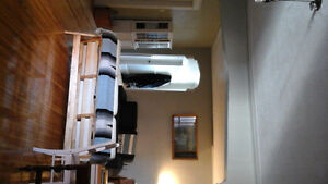 Large  7 1/2 in Outremont  for  rent