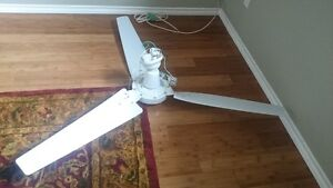 QUIET AND POWERFUL WHITE CEILING FAN